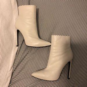 Tony Bianco White freddie boot size 7.5